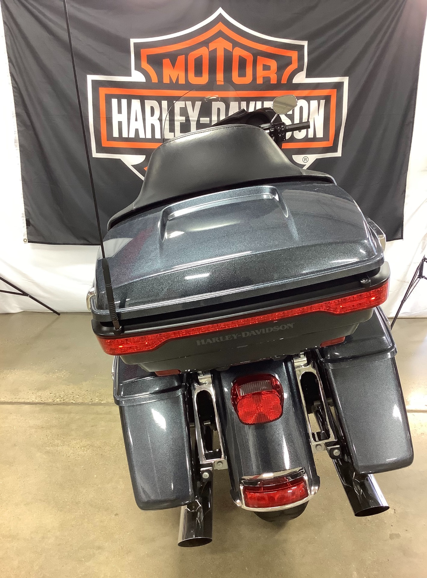 2015 Harley-Davidson Electra Glide® Ultra Classic® in Belmont, Ohio - Photo 2