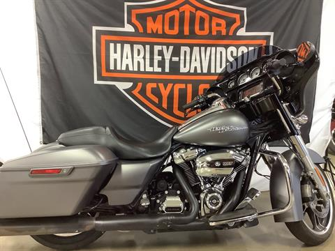 2017 Harley-Davidson Street Glide® Special in Belmont, Ohio - Photo 1