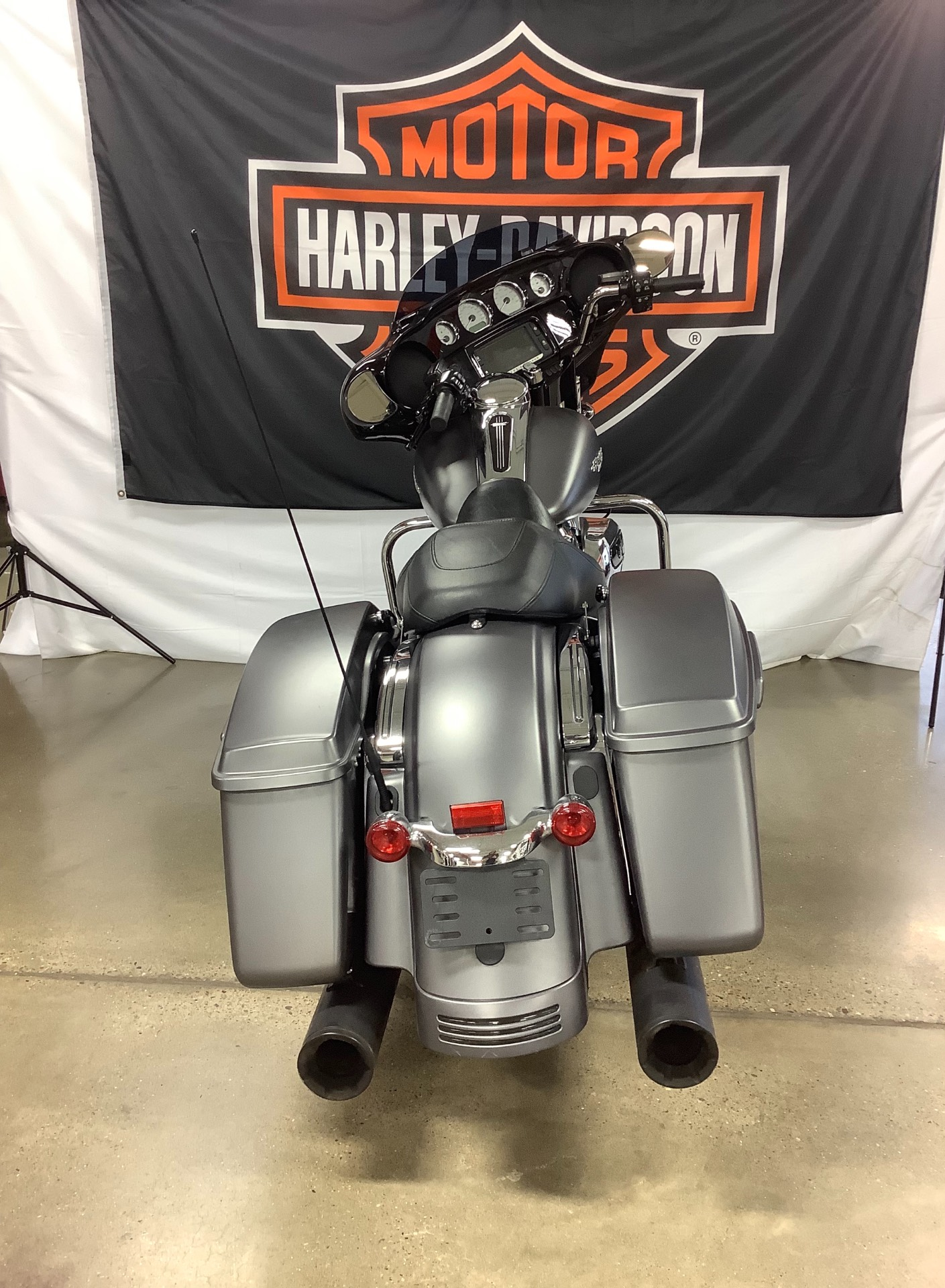 2017 Harley-Davidson Street Glide® Special in Belmont, Ohio - Photo 2
