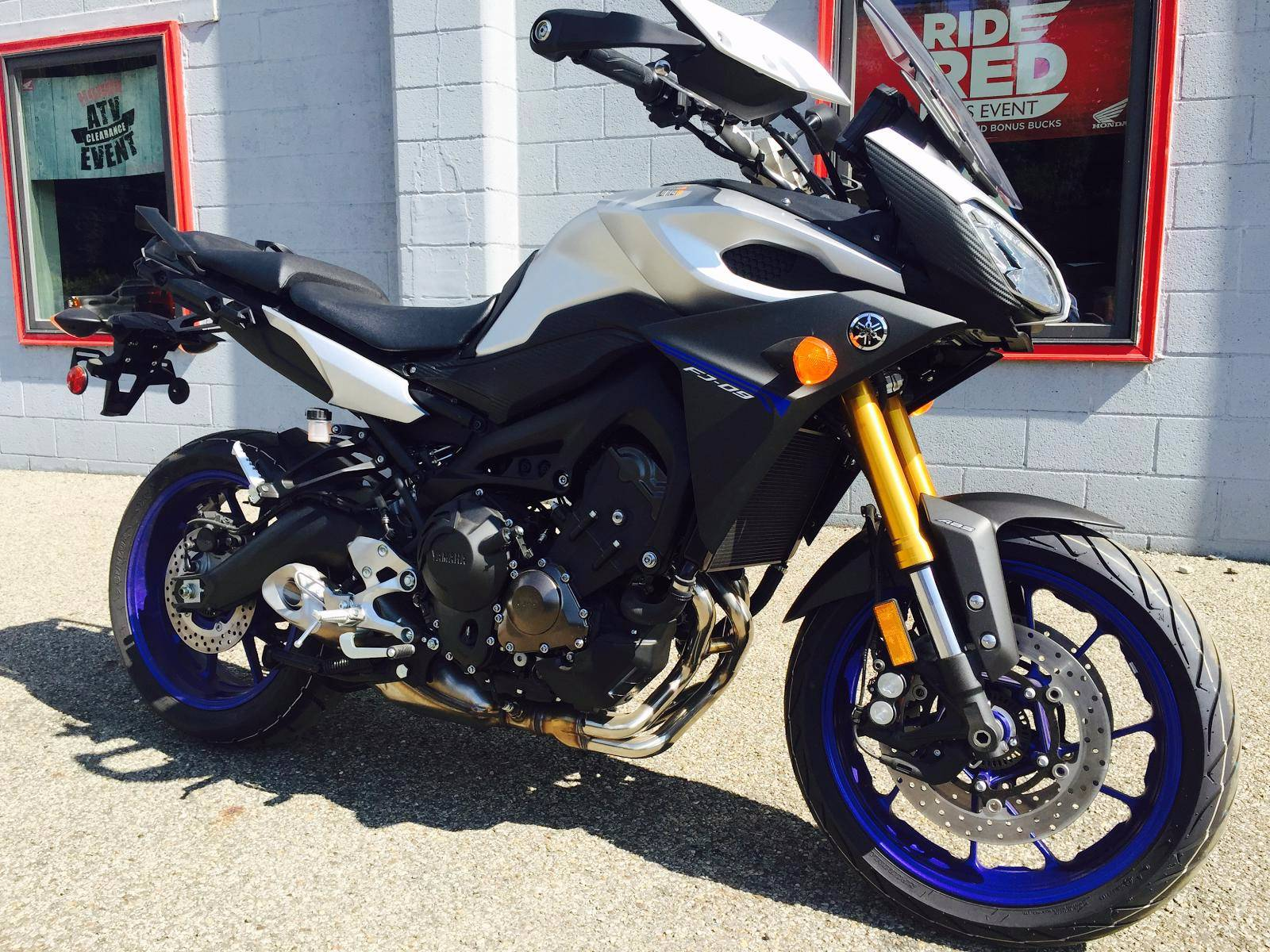 2016 Yamaha FJ-09 1