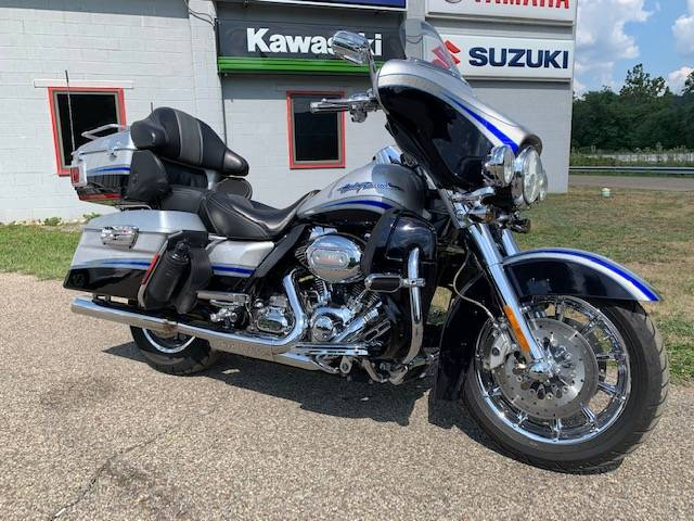 2009 Harley-Davidson CVO™ Ultra Classic® Electra Glide® in Brilliant, Ohio - Photo 17