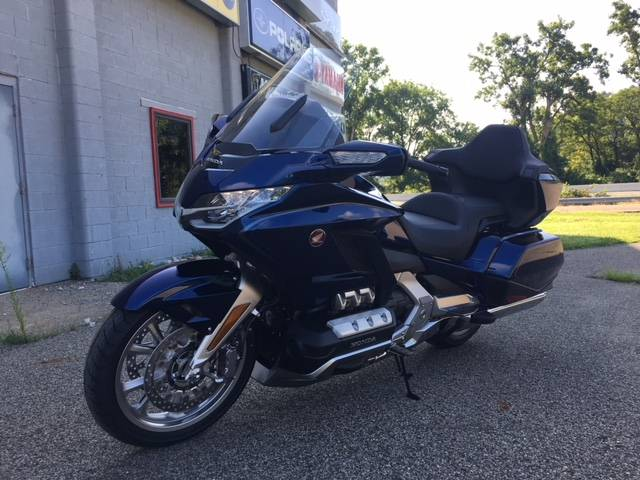 2018 Honda Gold Wing Tour Automatic DCT in Brilliant, Ohio - Photo 2