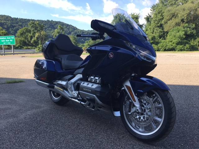 2018 Honda Gold Wing Tour Automatic DCT in Brilliant, Ohio - Photo 7