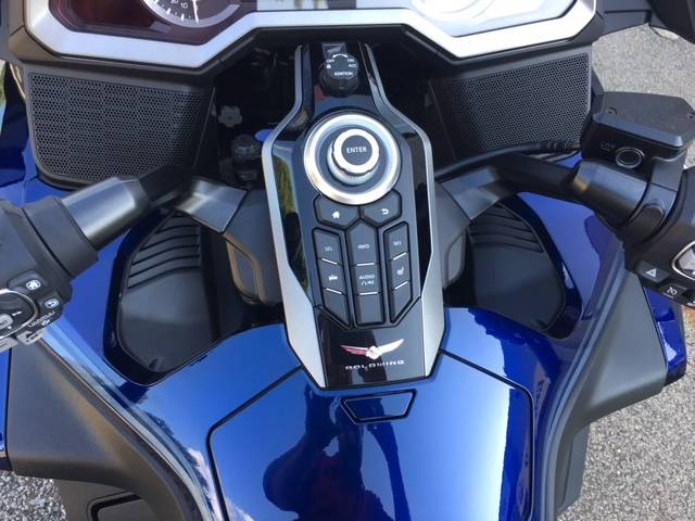 2018 Honda Gold Wing Tour Automatic DCT in Brilliant, Ohio - Photo 14