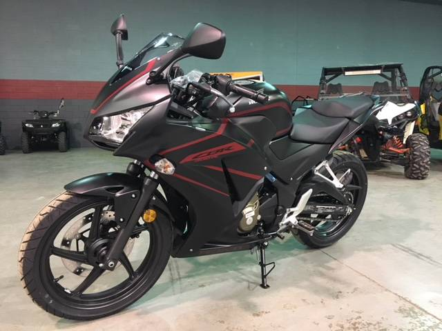 2018 Honda CBR300R in Brilliant, Ohio