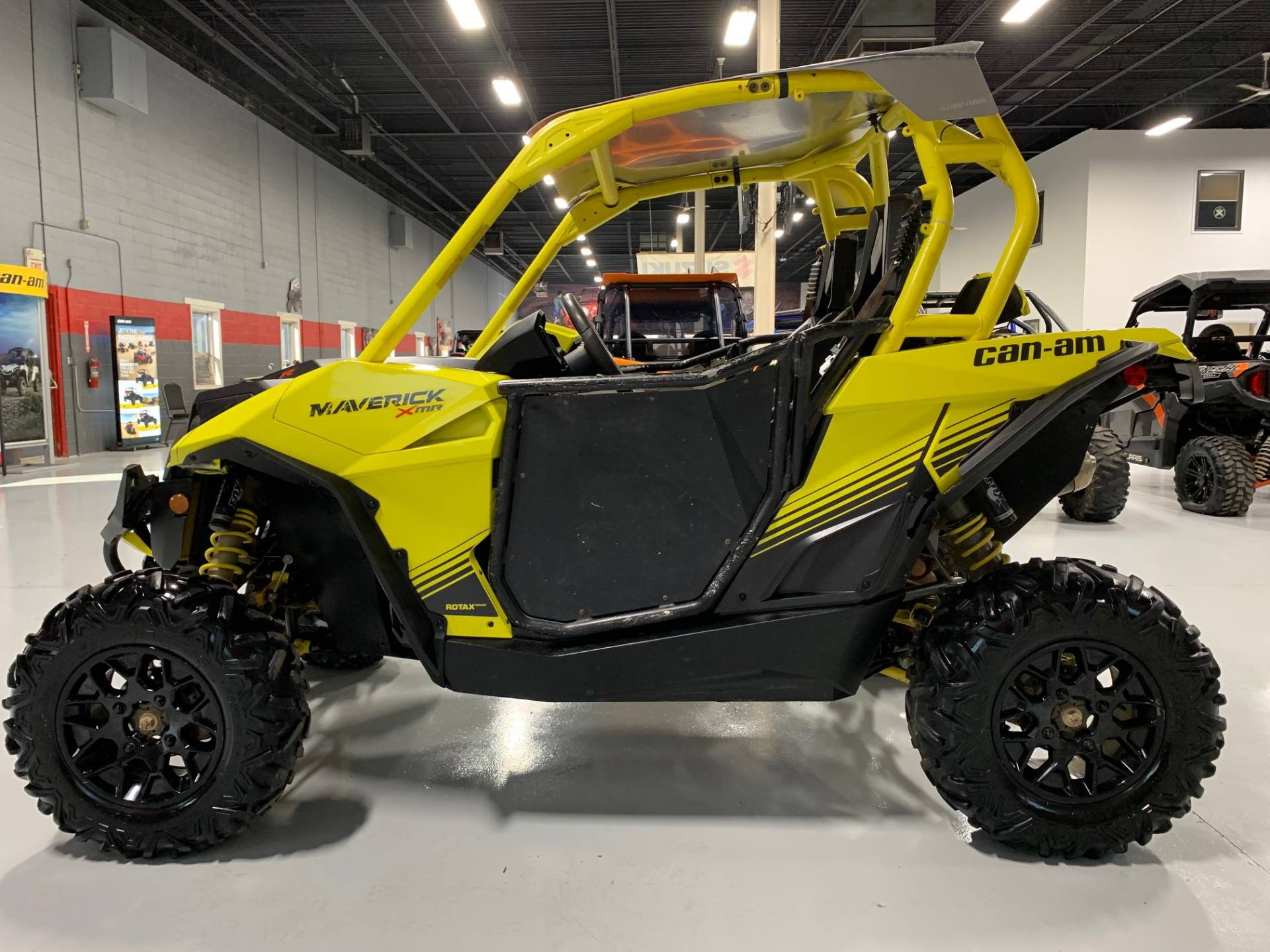 2018 Can-Am Maverick X MR in Brilliant, Ohio - Photo 6