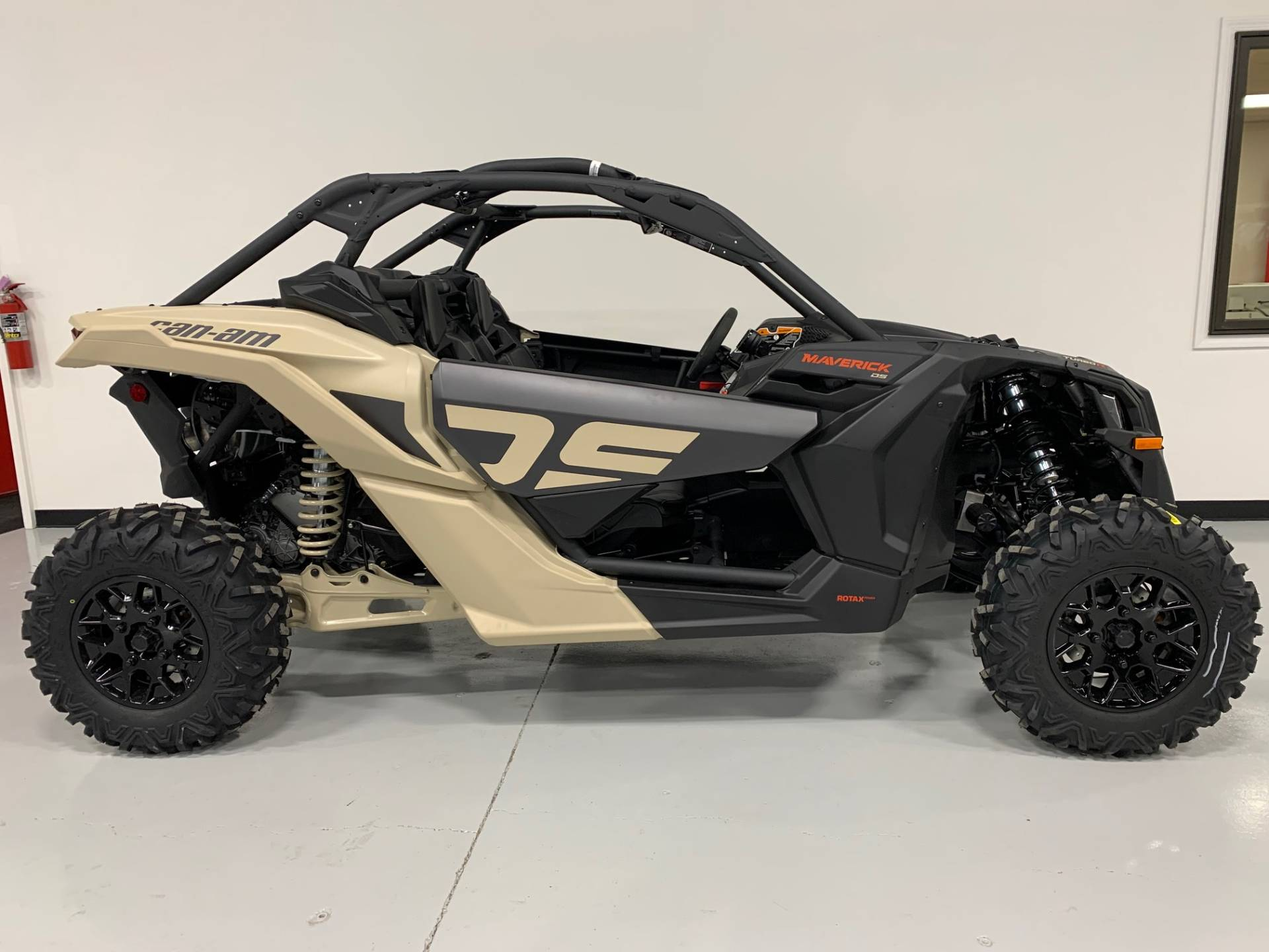 2021 Can-Am Maverick X3 DS Turbo R in Brilliant, Ohio - Photo 6