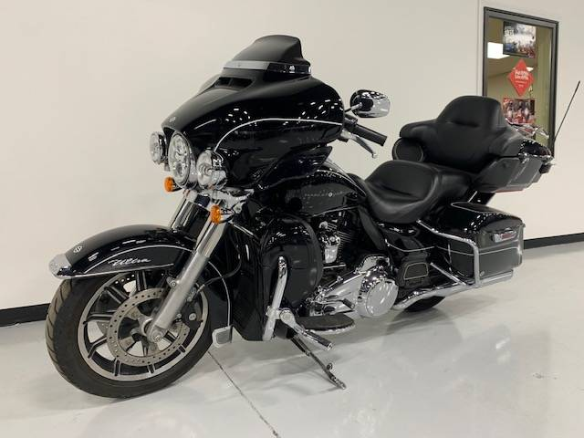 2019 Harley-Davidson Electra Glide® Ultra Classic® in Brilliant, Ohio - Photo 3