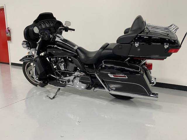 2019 Harley-Davidson Electra Glide® Ultra Classic® in Brilliant, Ohio - Photo 8