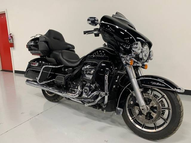 2019 Harley-Davidson Electra Glide® Ultra Classic® in Brilliant, Ohio - Photo 1