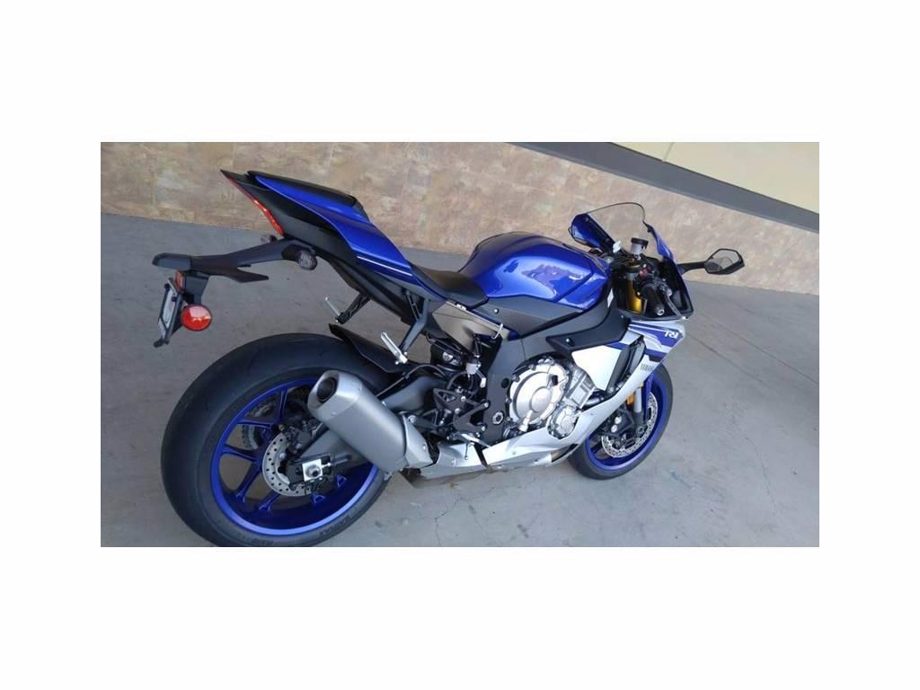 2016 Yamaha YZF-R1 3