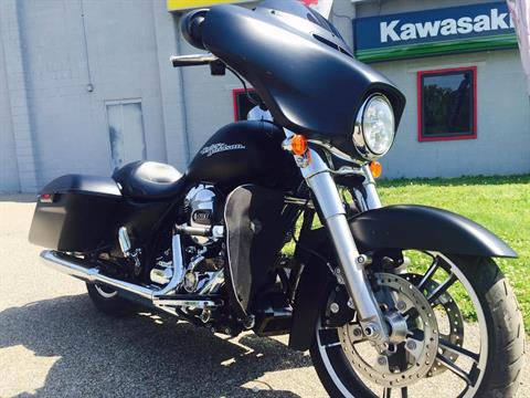 2016 Harley-Davidson Street Glide® in Brilliant, Ohio