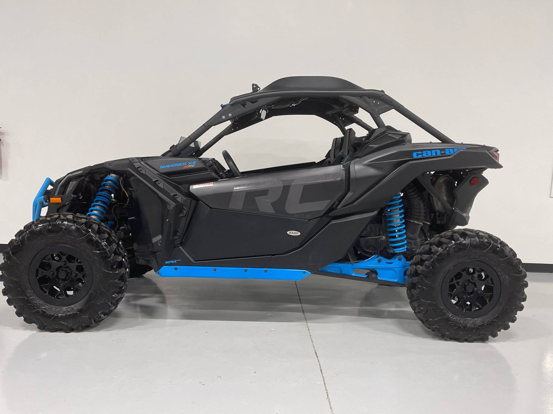 2018 Can-Am Maverick X3 X rc Turbo in Brilliant, Ohio - Photo 2