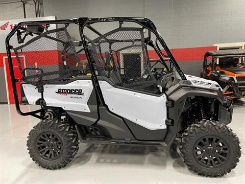 2021 Honda Pioneer 1000-5 Deluxe in Brilliant, Ohio - Photo 2