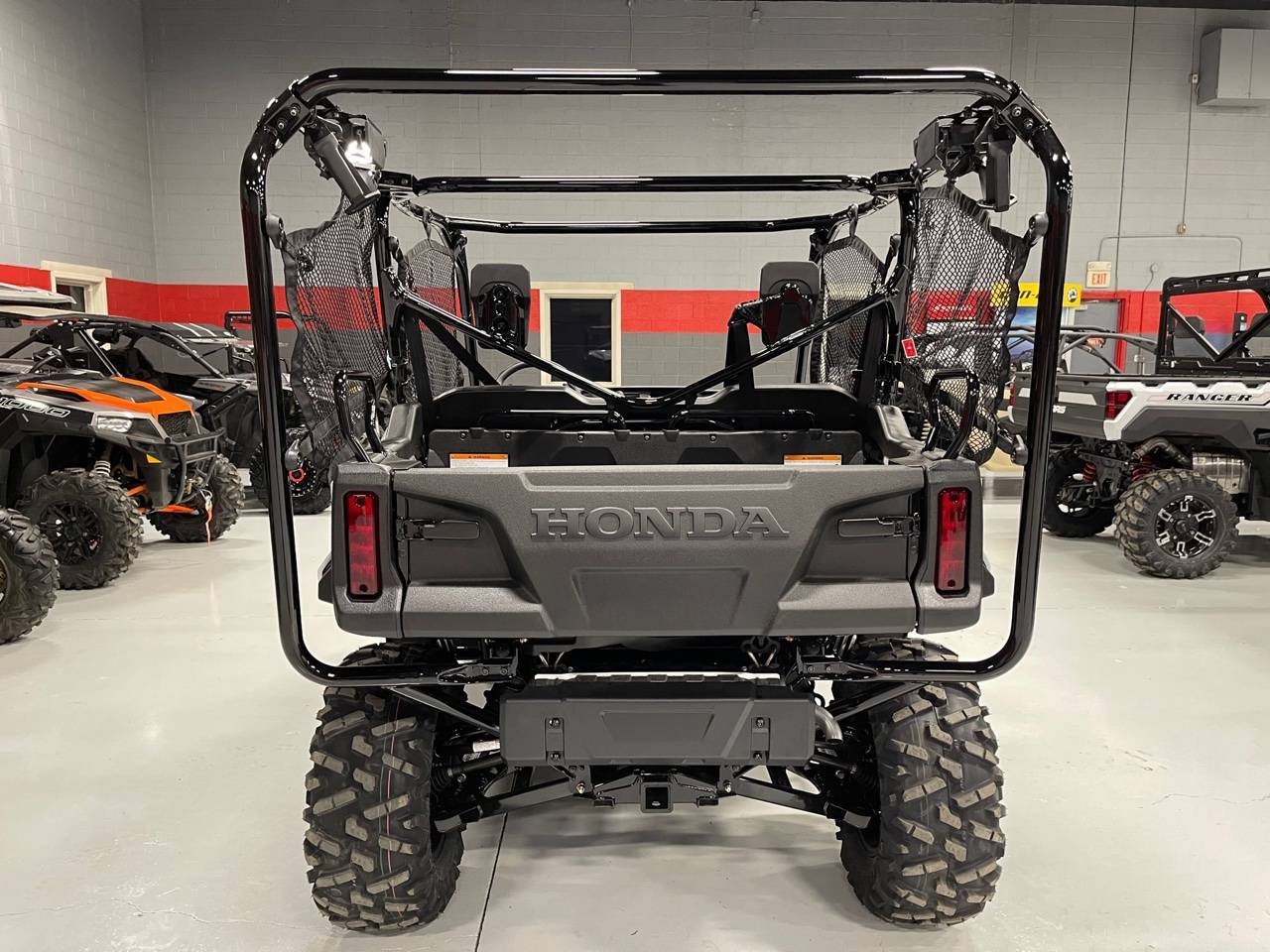 2021 Honda Pioneer 1000-5 Deluxe in Brilliant, Ohio - Photo 4