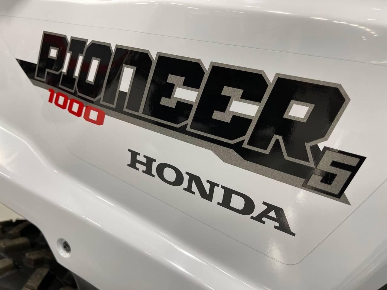 2021 Honda Pioneer 1000-5 Deluxe in Brilliant, Ohio - Photo 12