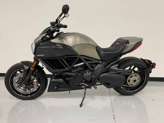 2015 Ducati Diavel Titanium in Brilliant, Ohio - Photo 2