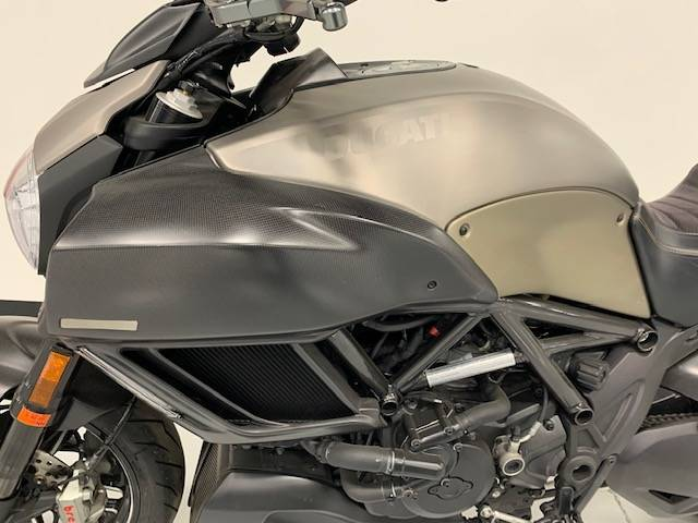 2015 Ducati Diavel Titanium in Brilliant, Ohio - Photo 5