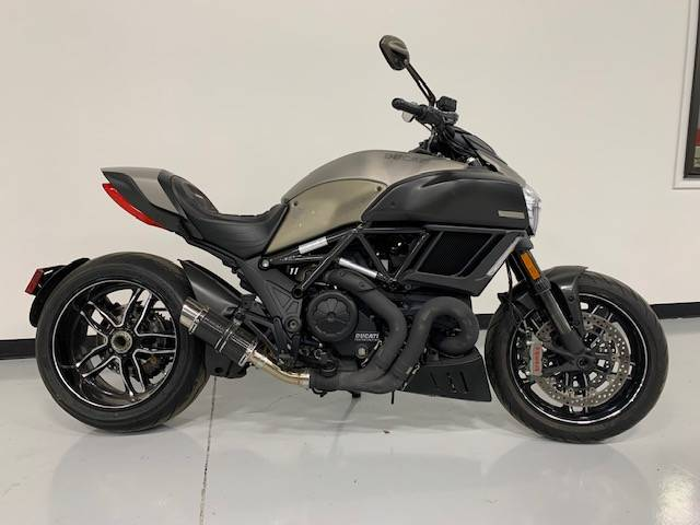 2015 Ducati Diavel Titanium in Brilliant, Ohio - Photo 10