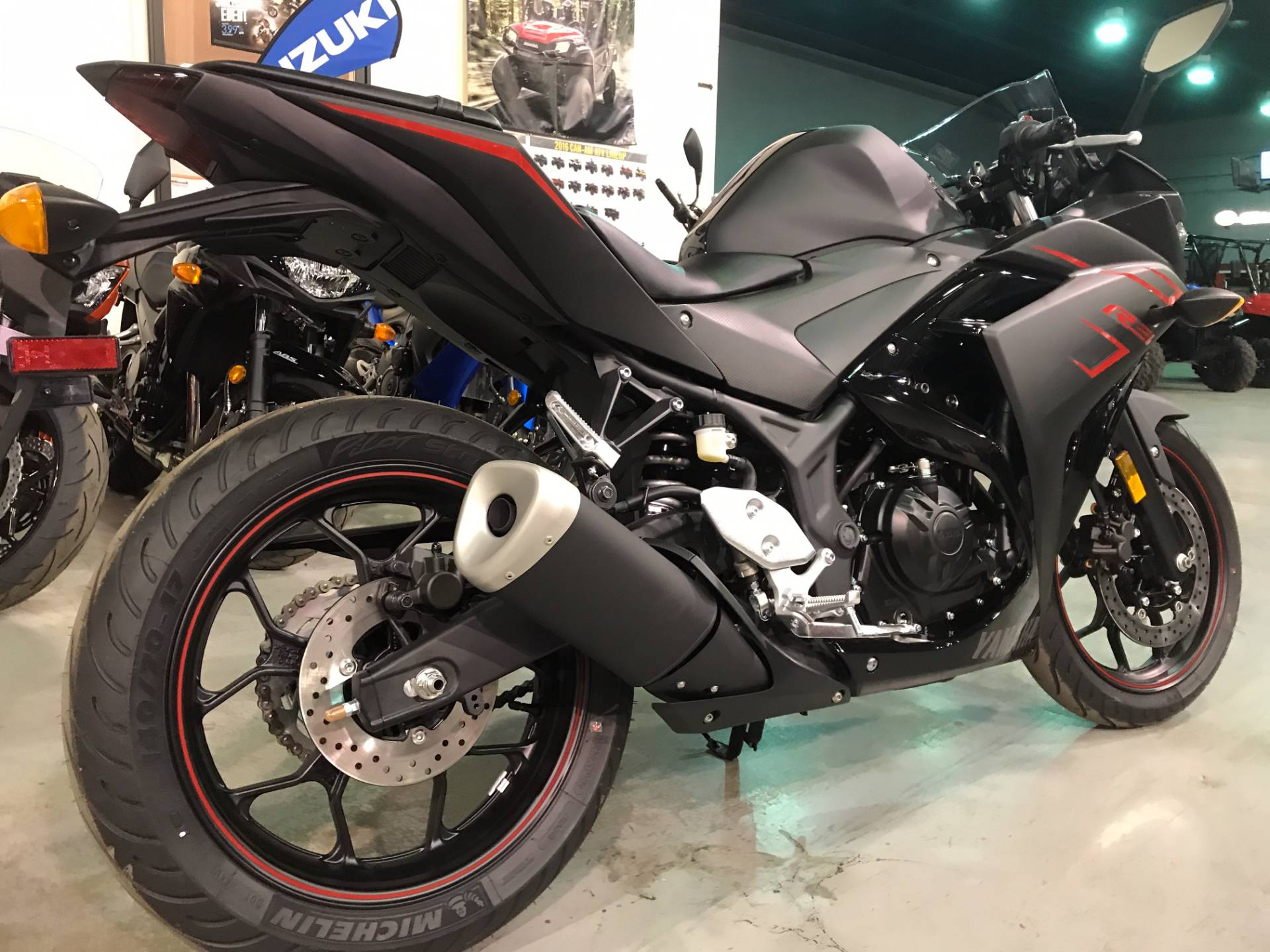 2017 Yamaha YZF-R3 7