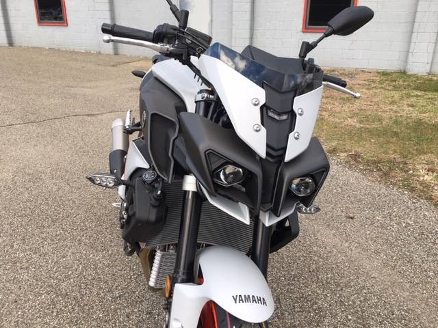 2019 Yamaha MT-10 in Brilliant, Ohio - Photo 4