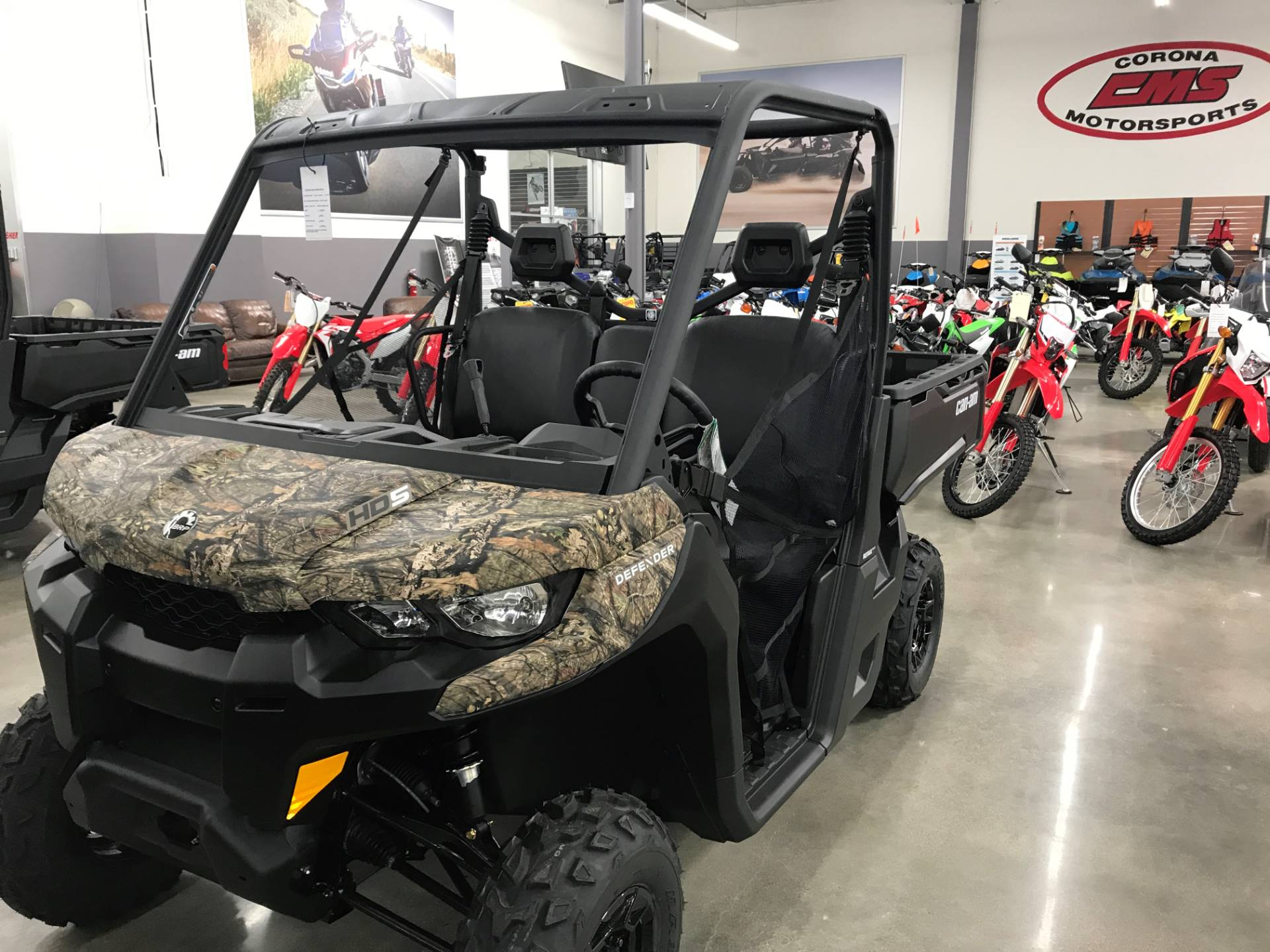 2019 Can-Am Defender DPS HD5 in Corona, California - Photo 2