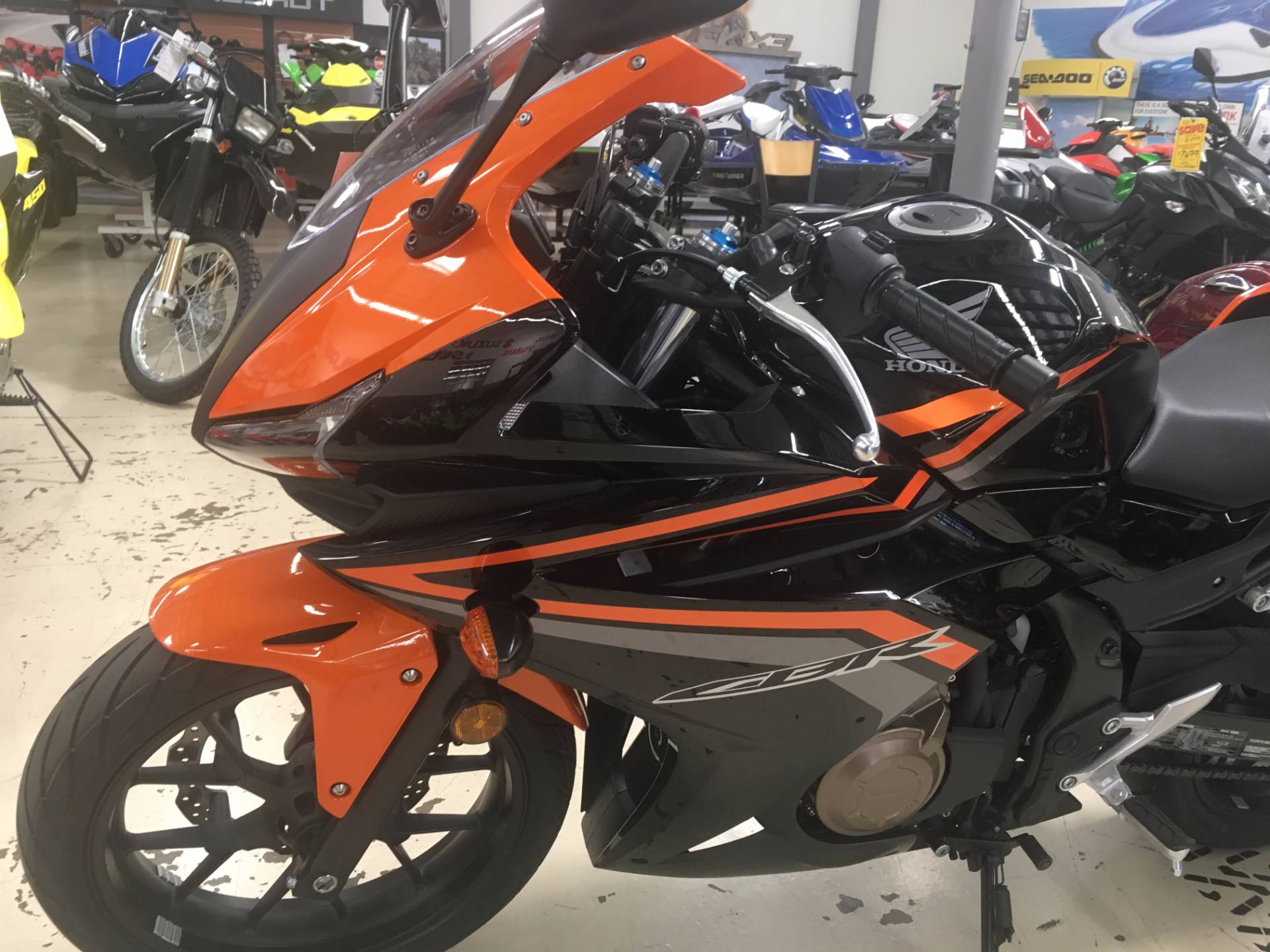 2017 Honda CBR500R in Corona, California