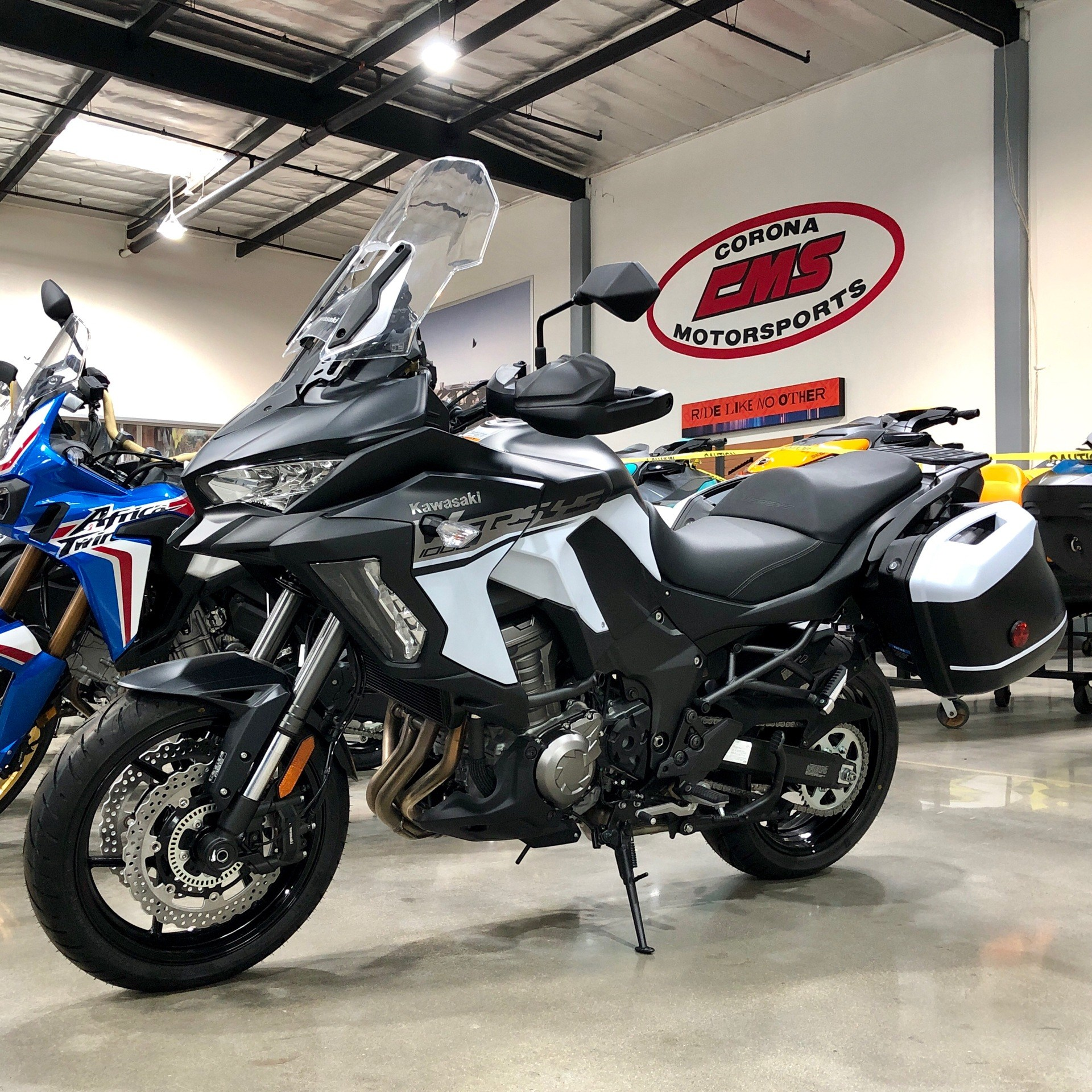 2019 Kawasaki Versys 1000 SE LT+ in Corona, California - Photo 2