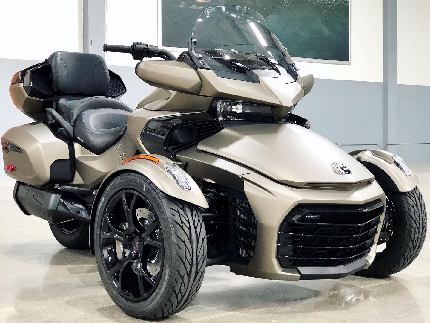 2021 Can-Am Spyder F3 Limited in Corona, California - Photo 1