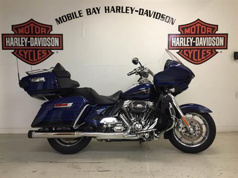 2015 Harley-Davidson CVO™ Road Glide® Ultra in Mobile, Alabama