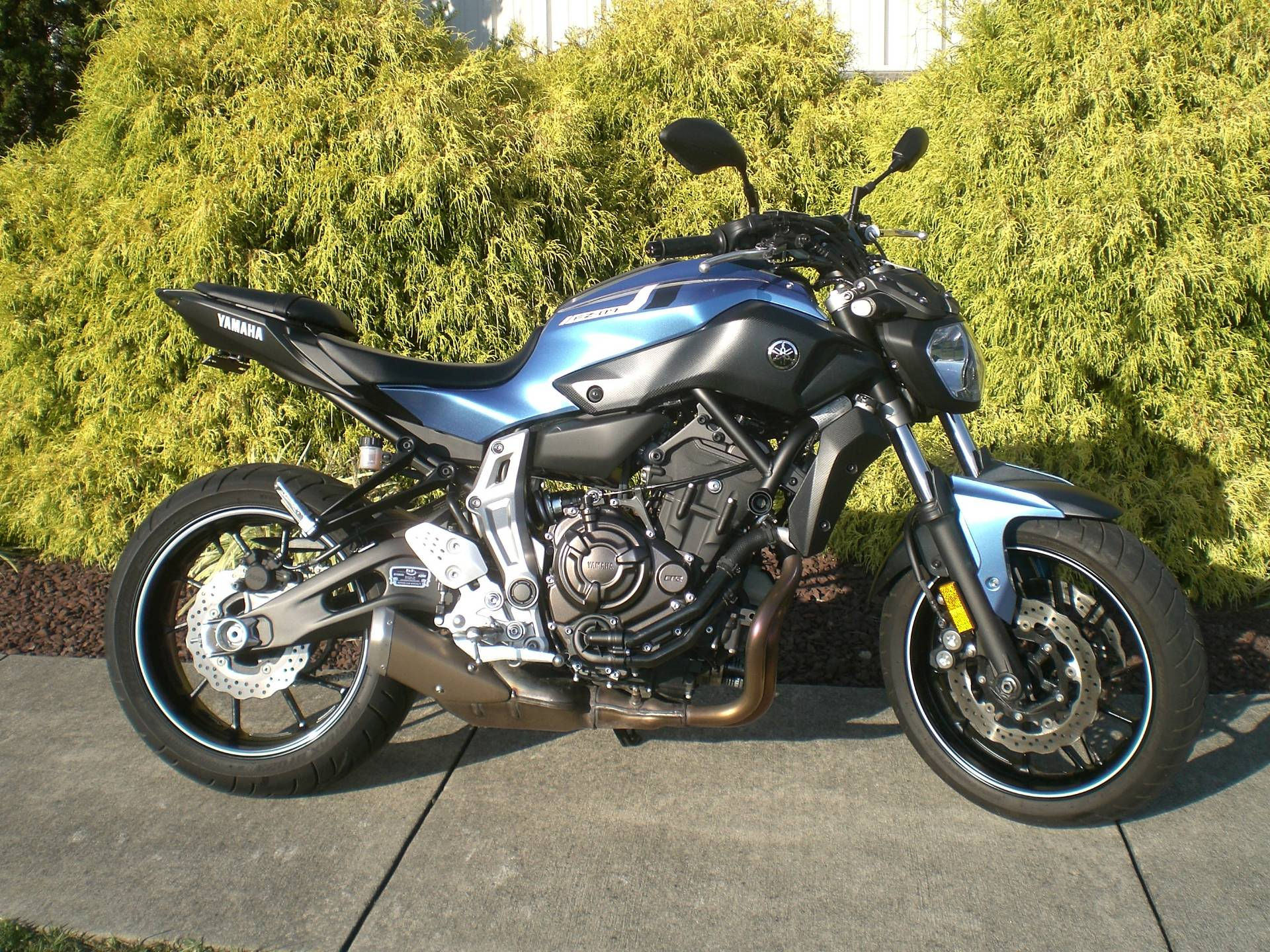 2017 Yamaha FZ-07 in Manheim, Pennsylvania - Photo 2