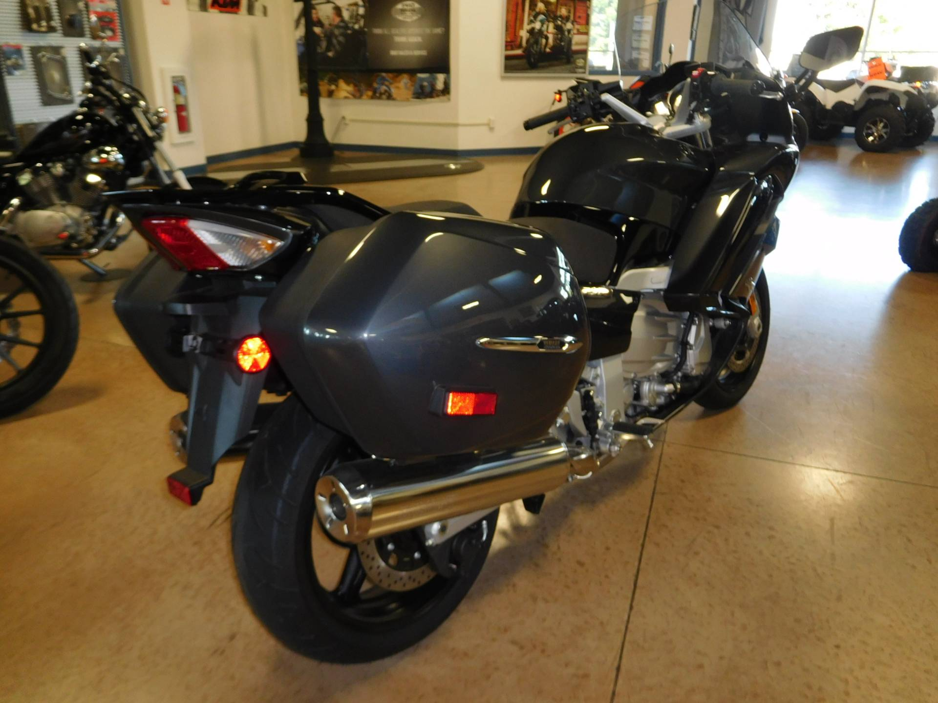 2015 Yamaha FJR1300A in Manheim, Pennsylvania - Photo 2