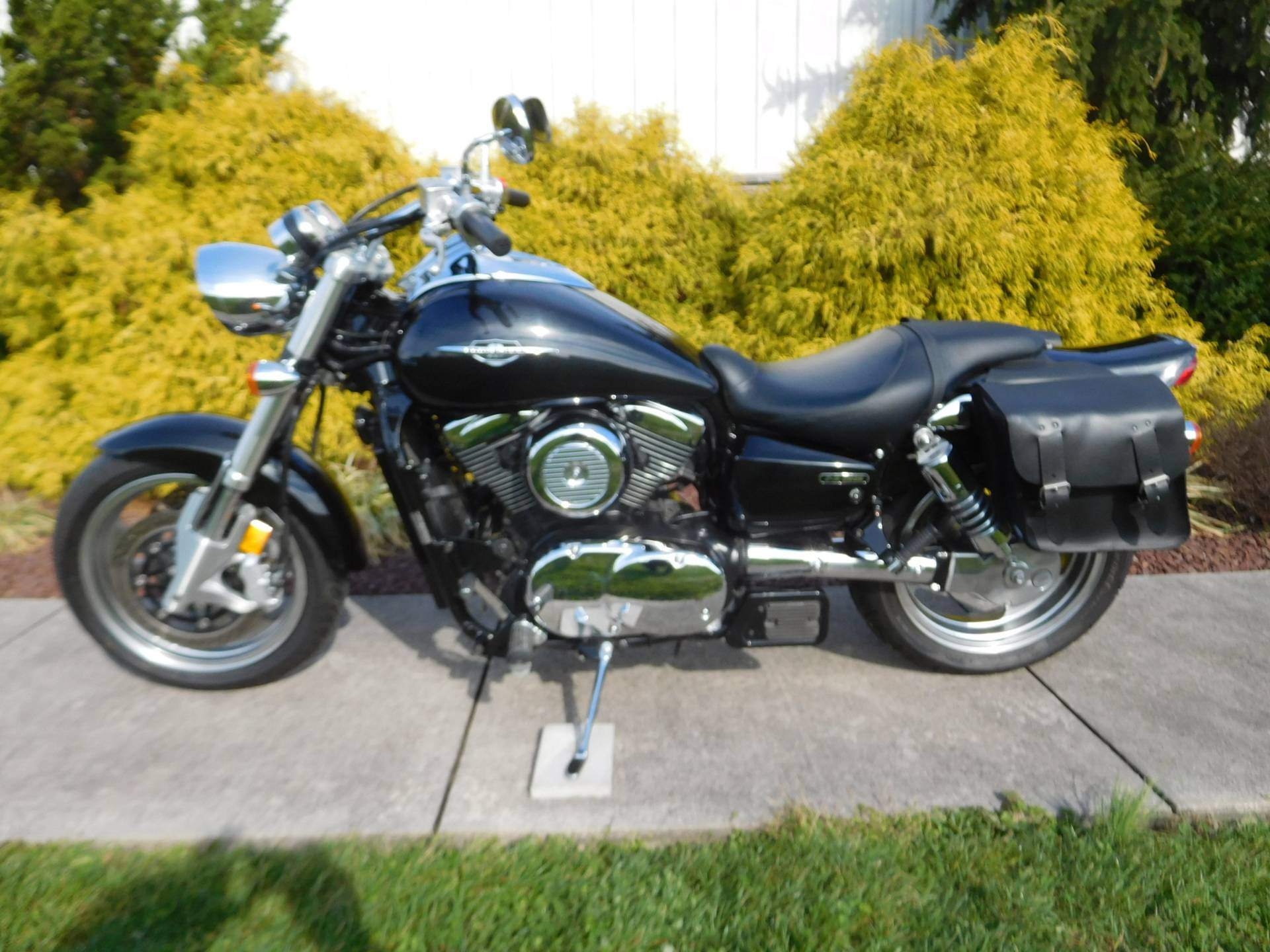 2005 Suzuki Boulevard M95 in Manheim, Pennsylvania - Photo 12