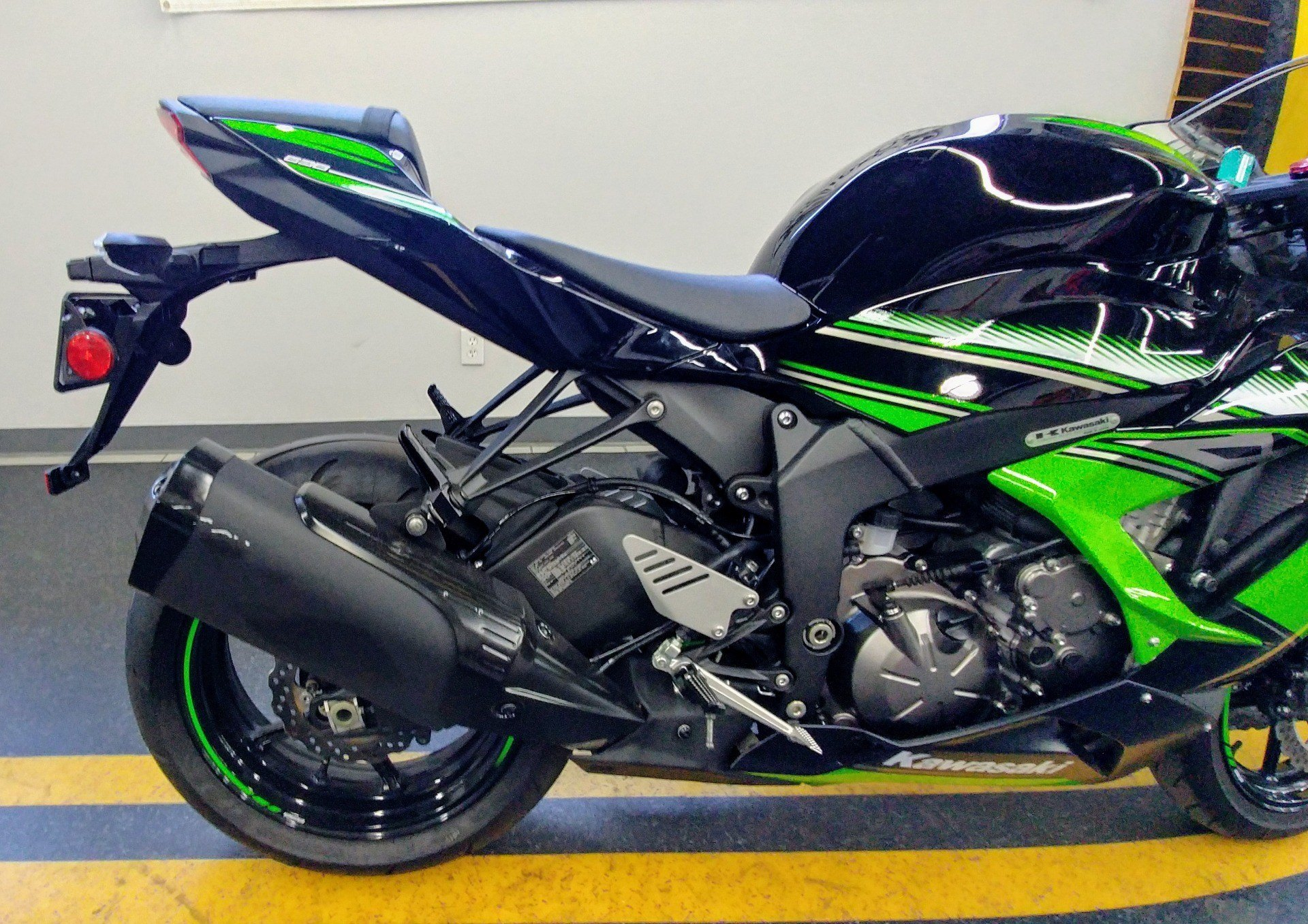 2017 Kawasaki NINJA ZX-6R KRT EDITION in Ontario, California