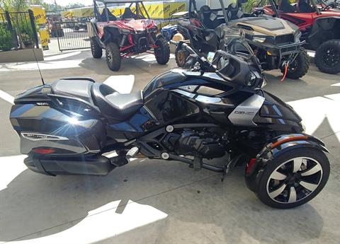 2016 Can-Am Spyder F3-T SE6 w/ Audio System in Ontario, California - Photo 2
