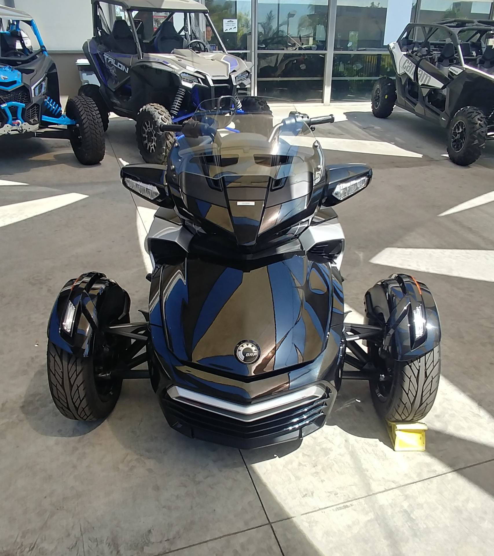 2016 Can-Am Spyder F3-T SE6 w/ Audio System in Ontario, California - Photo 4