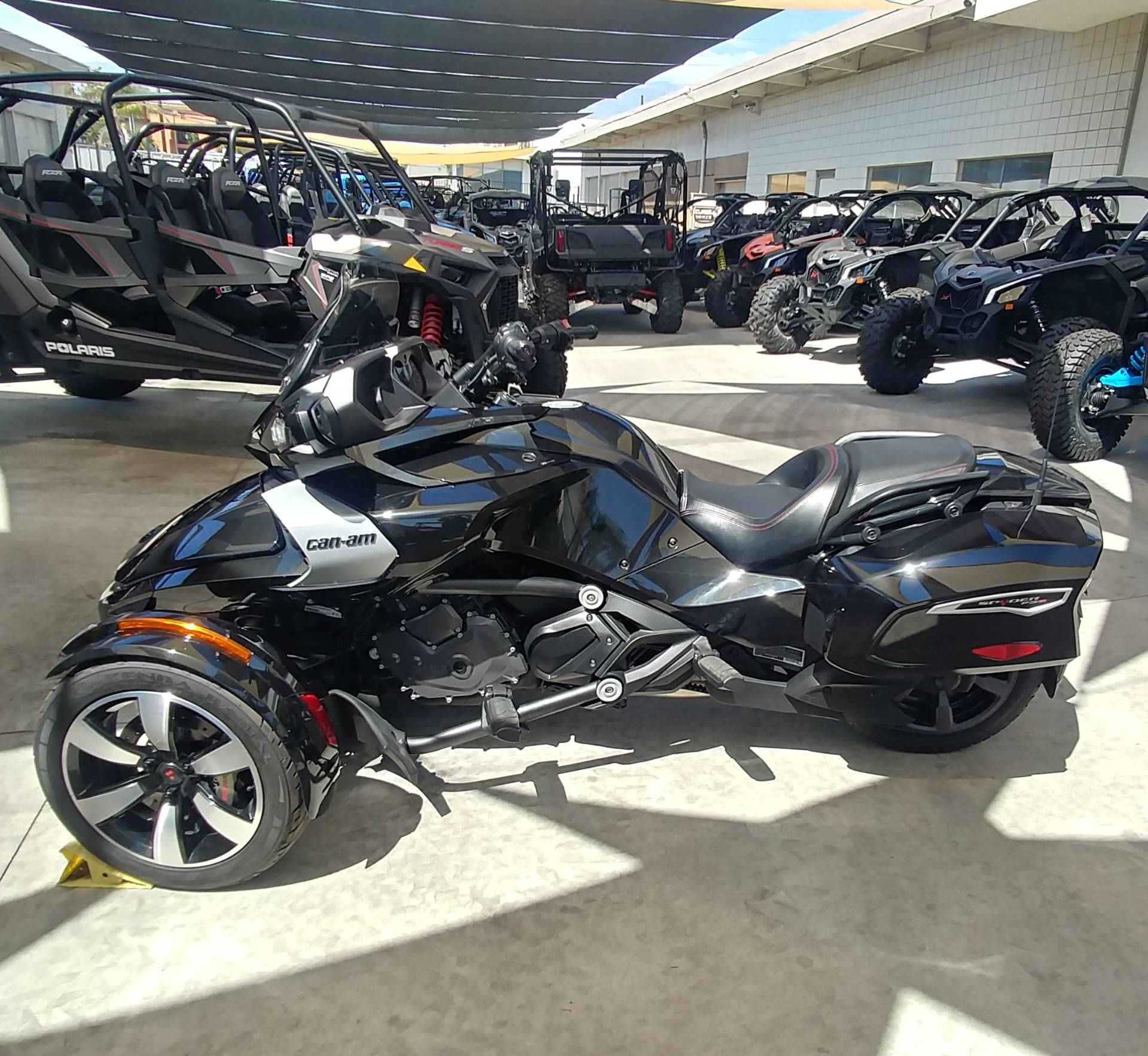 2016 Can-Am Spyder F3-T SE6 w/ Audio System in Ontario, California - Photo 7