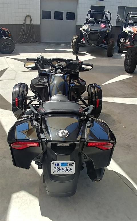 2016 Can-Am Spyder F3-T SE6 w/ Audio System in Ontario, California - Photo 9