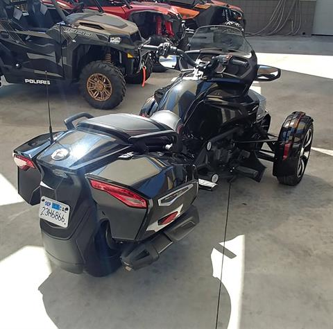 2016 Can-Am Spyder F3-T SE6 w/ Audio System in Ontario, California - Photo 11
