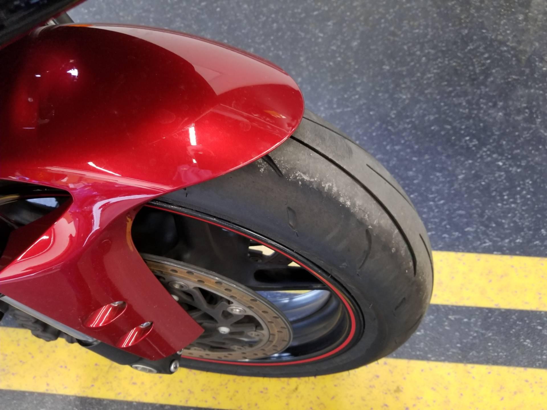 2011 Yamaha YZF-R1 7