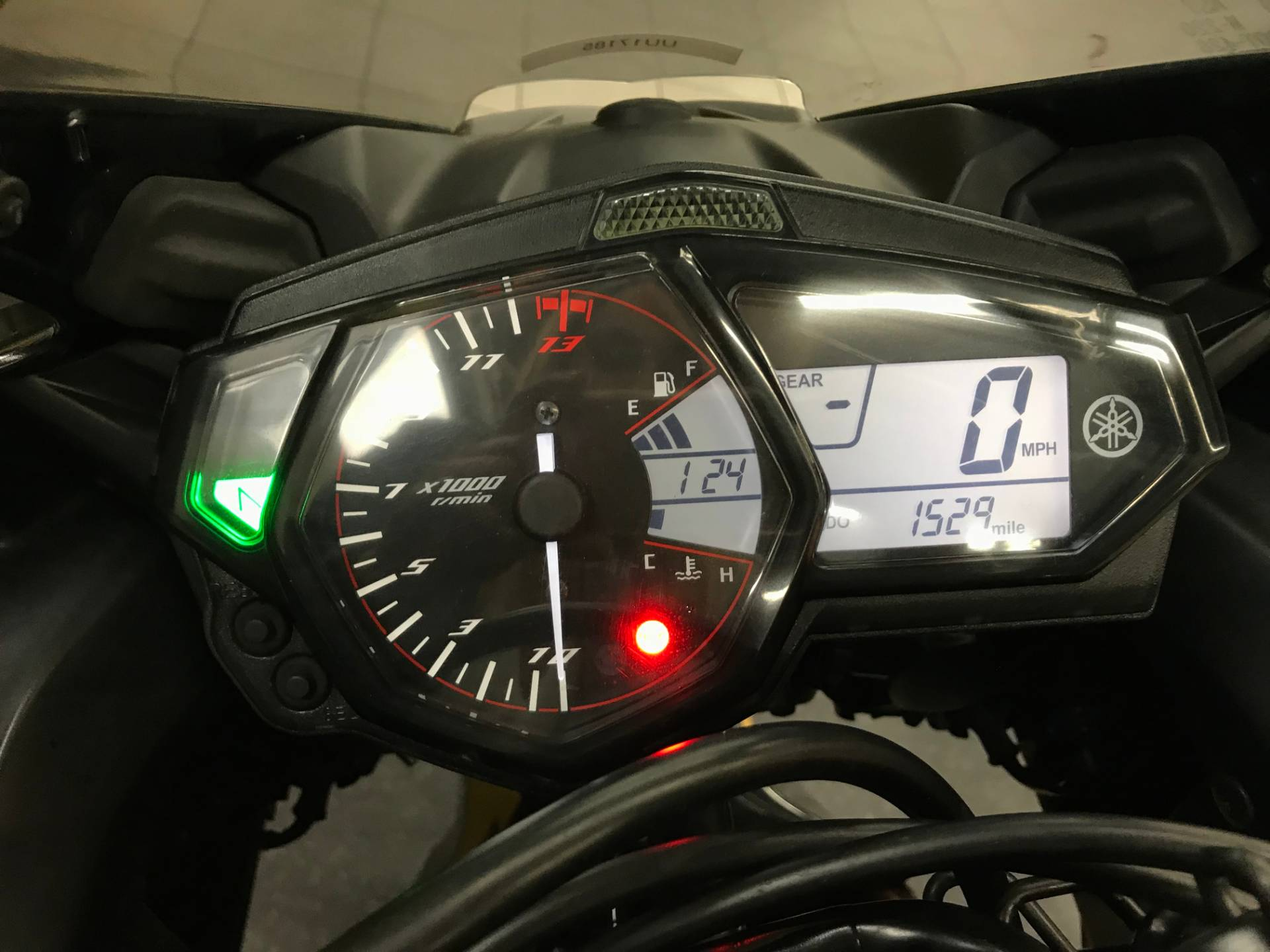 2015 Yamaha YZF-R3 5