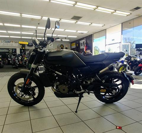 2019 Husqvarna Svartpilen 701 in Ontario, California - Photo 3
