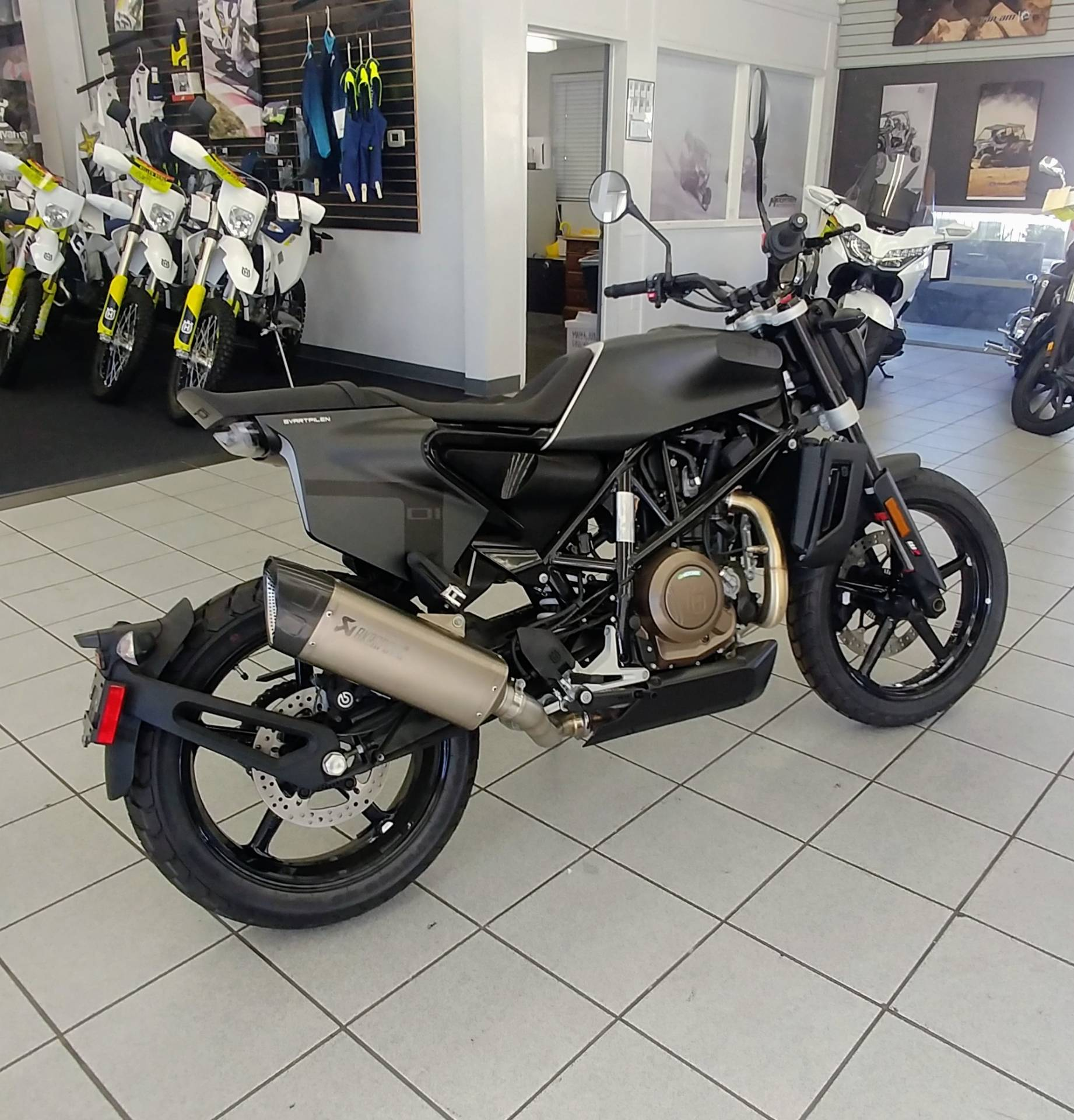 2019 Husqvarna Svartpilen 701 in Ontario, California - Photo 4