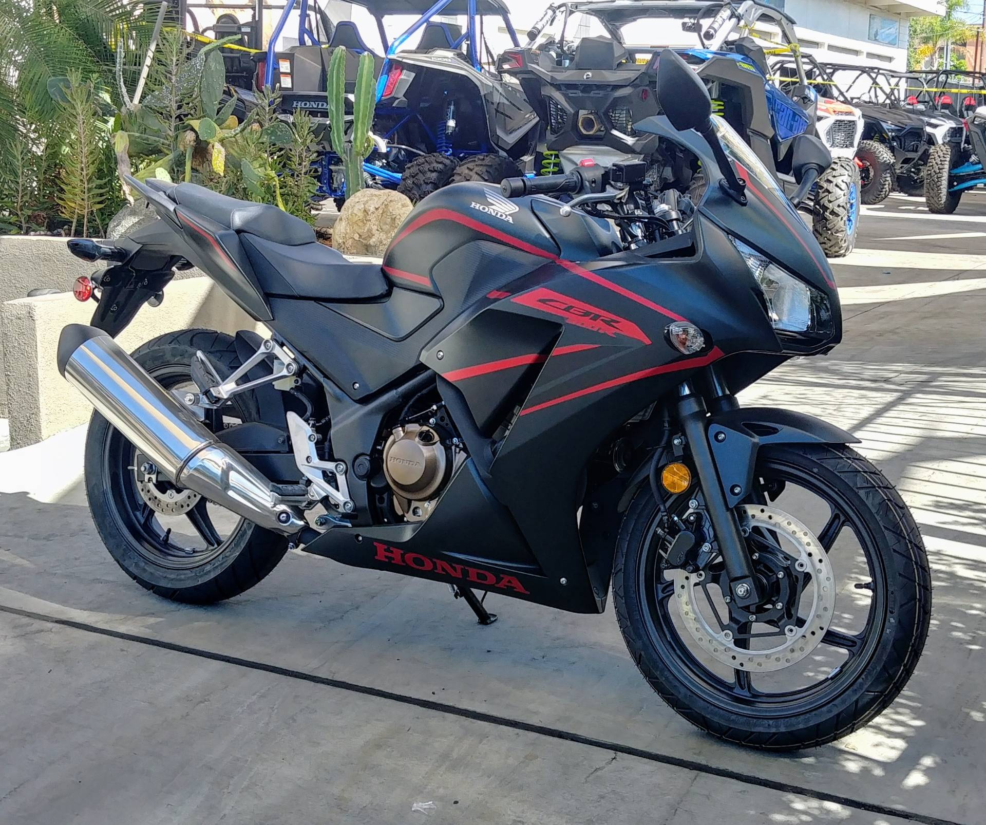 2020 Honda CBR300R in Ontario, California - Photo 4