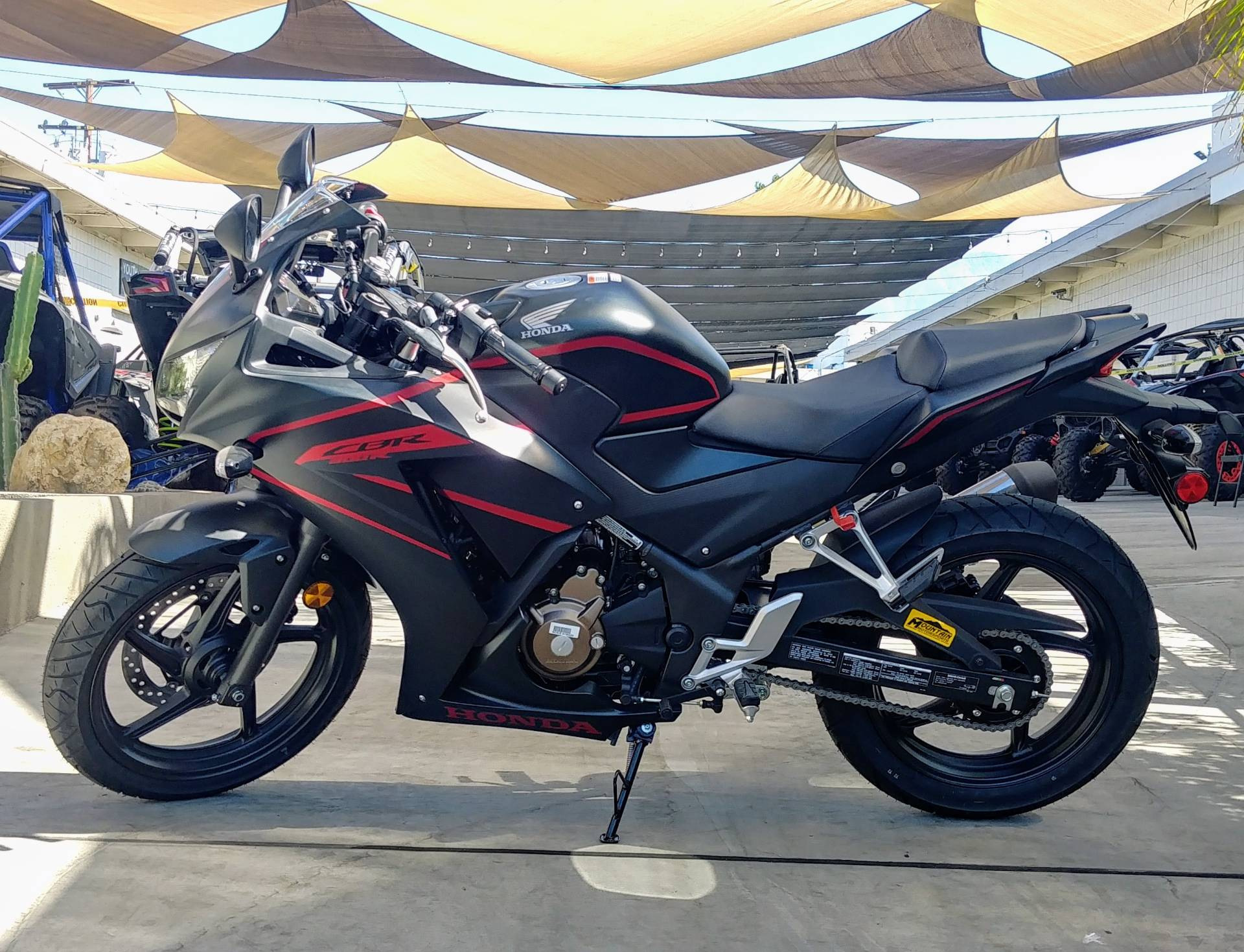 2020 Honda CBR300R in Ontario, California - Photo 7