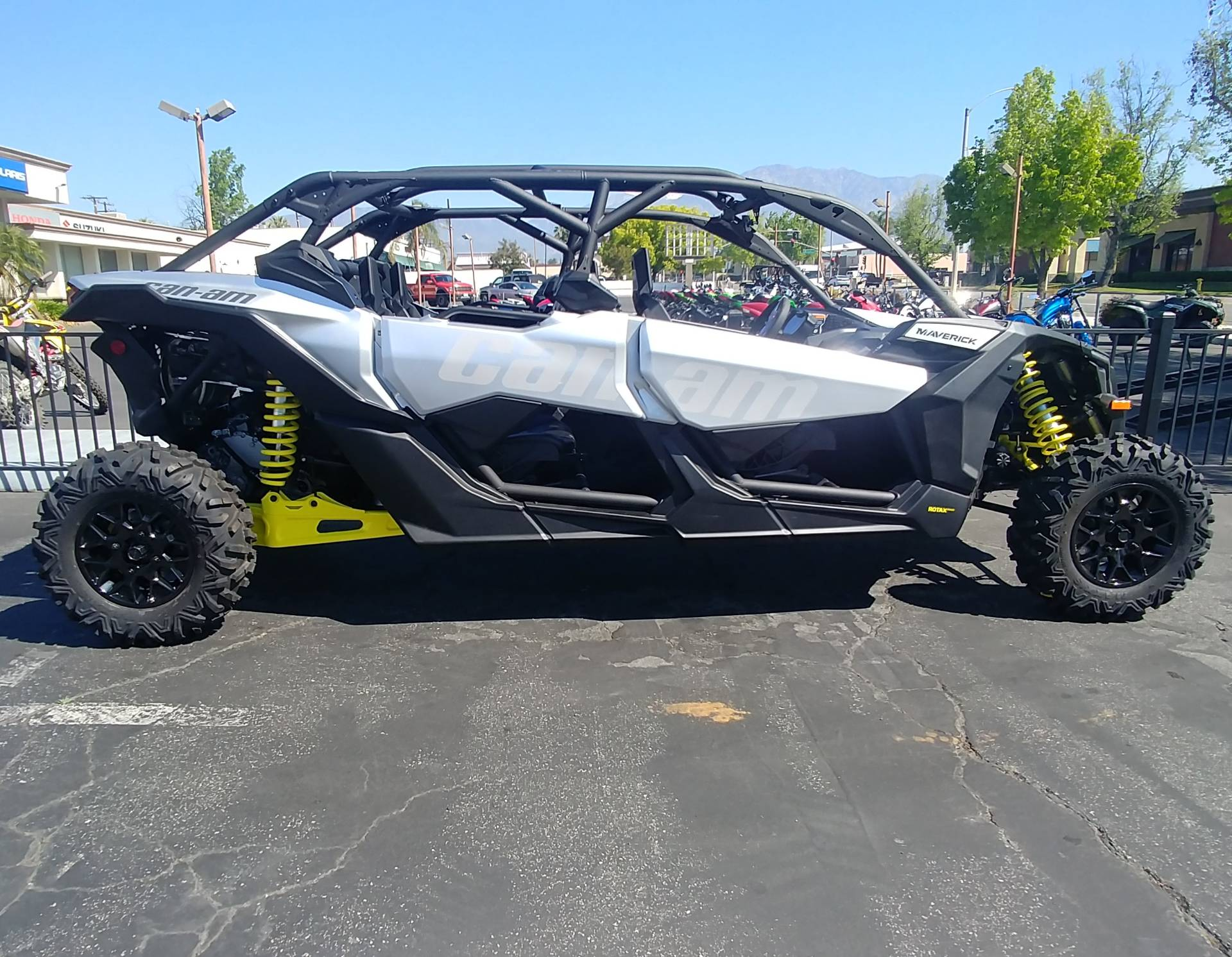 2019 Can-Am Maverick X3 Max Turbo in Ontario, California - Photo 2