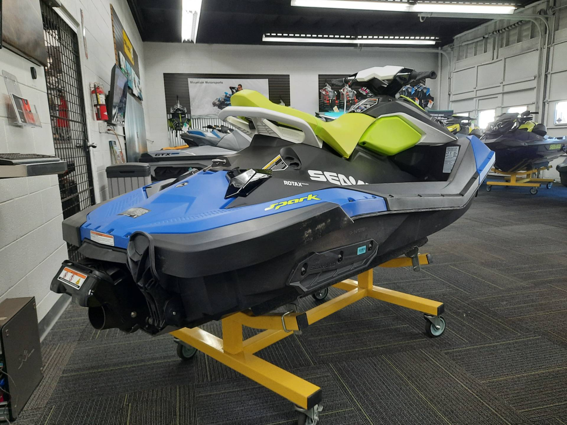 2021 Sea-Doo Spark 2up 90 hp iBR + Convenience Package in Ontario, California - Photo 10