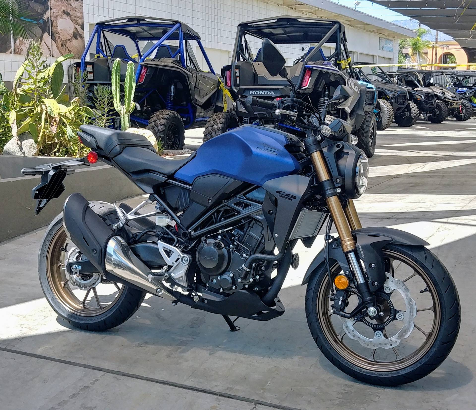 2021 Honda CB300R ABS in Ontario, California - Photo 4