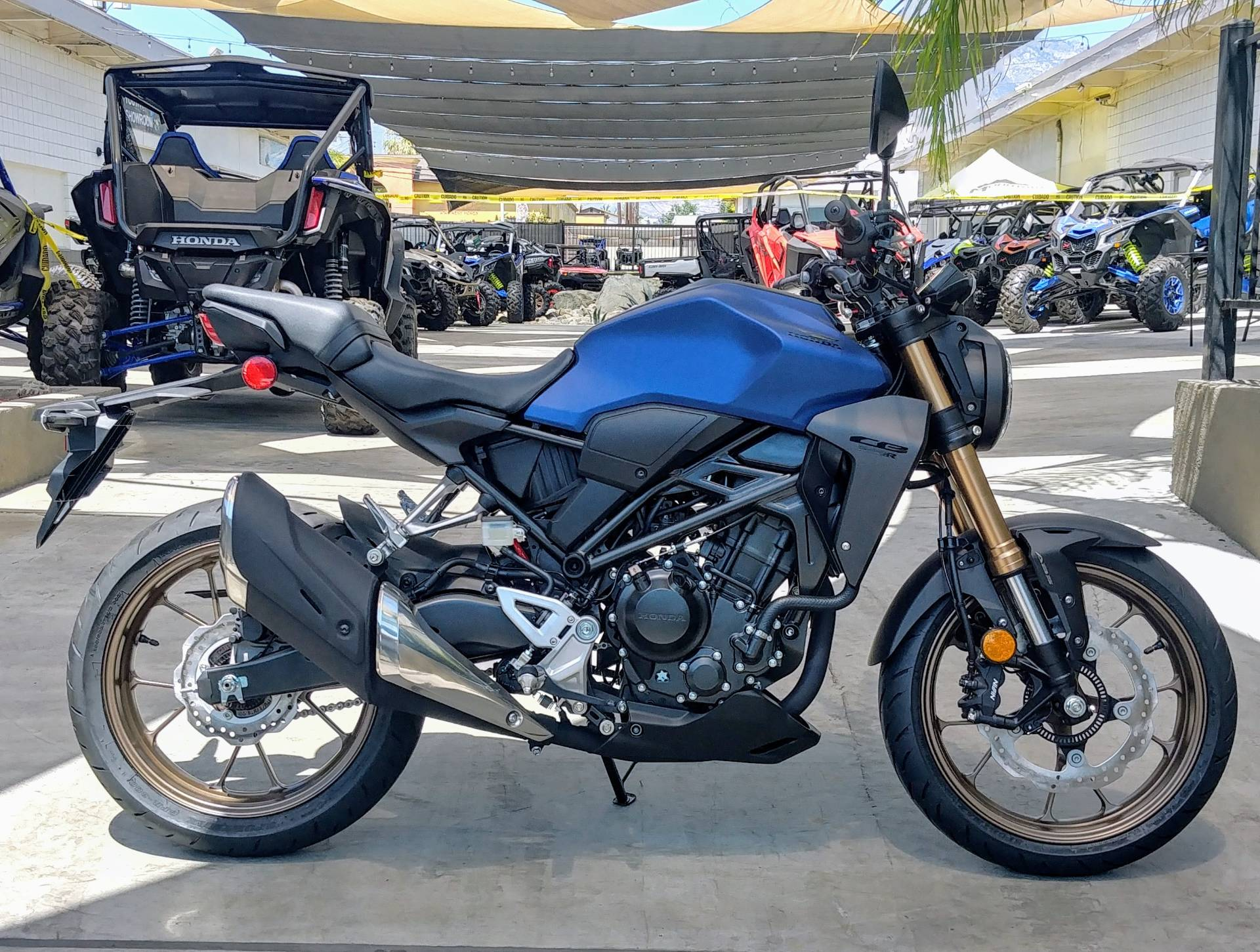 2021 Honda CB300R ABS in Ontario, California - Photo 3