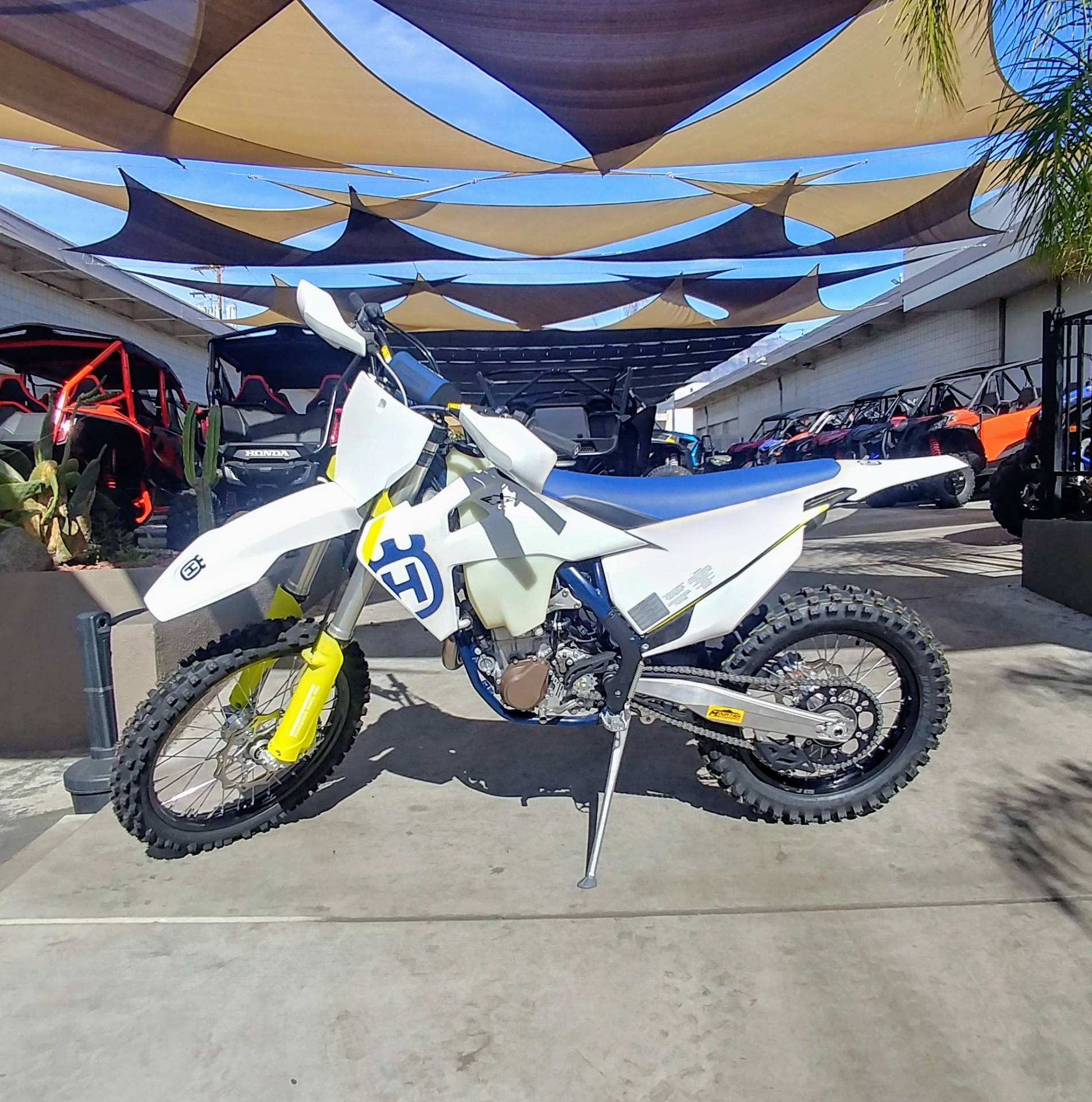 2019 Husqvarna FX 450 in Ontario, California - Photo 2
